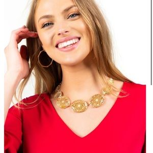 New Francescas statement necklace gold